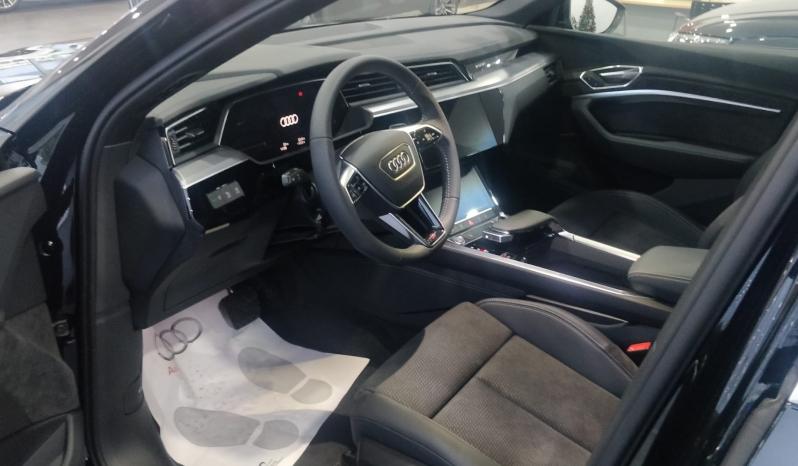 Audi e-tron 50 quattro S line completo